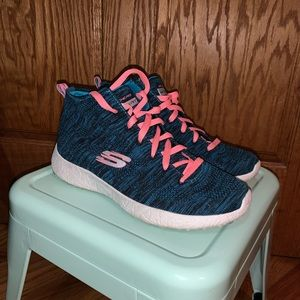 🆕 Skechers Knit High Tops Sz 8.5